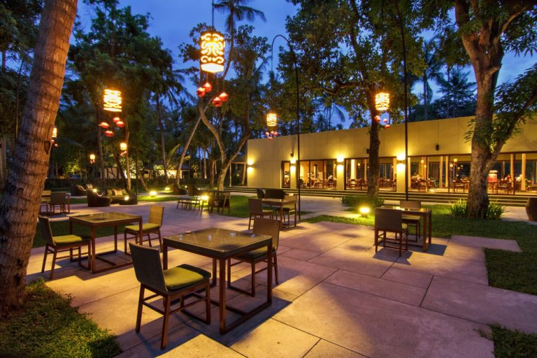 restaurant outdoor space